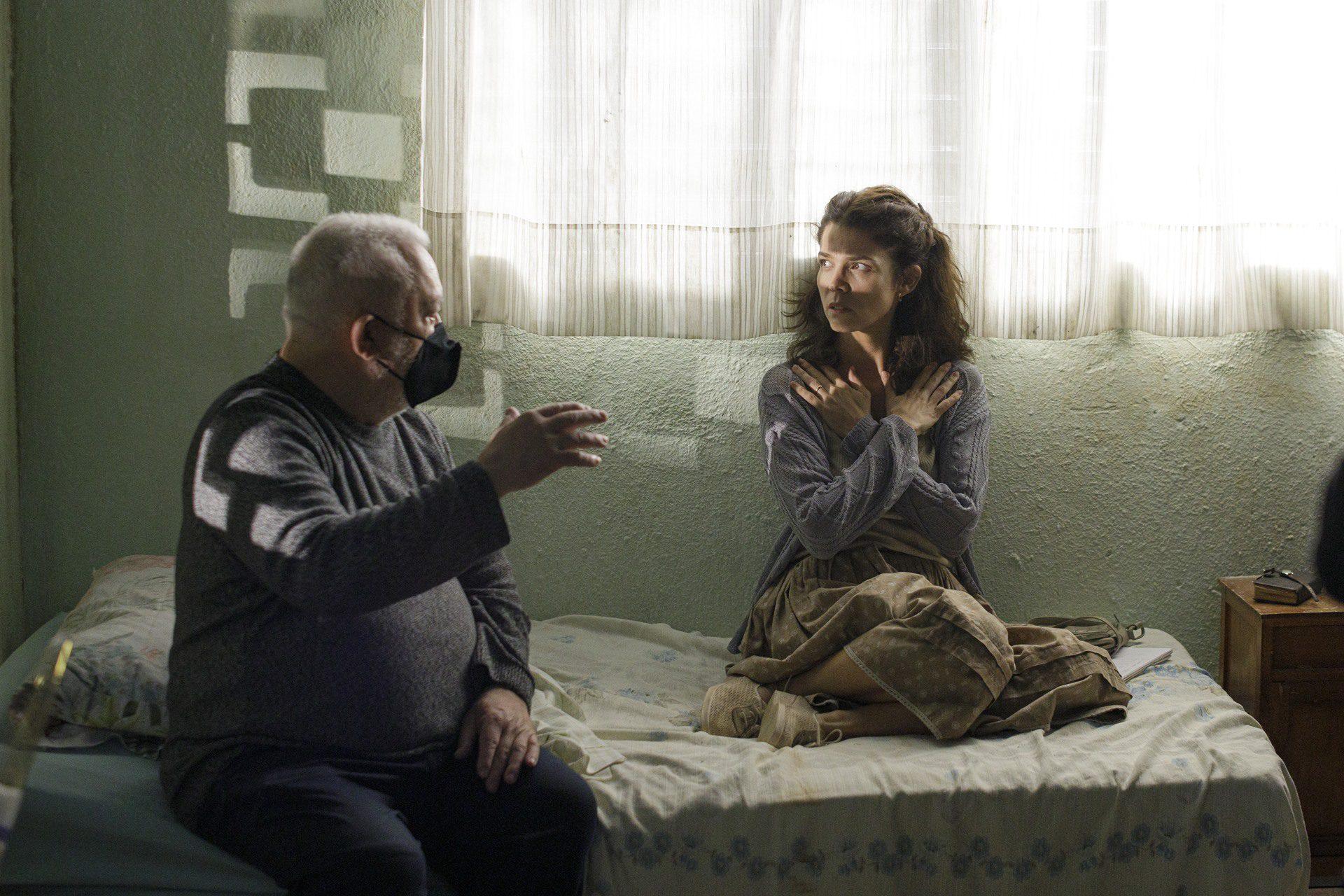Juana Acosta e Imanol Uribe durante el rodaje de La mirada de Lucía.