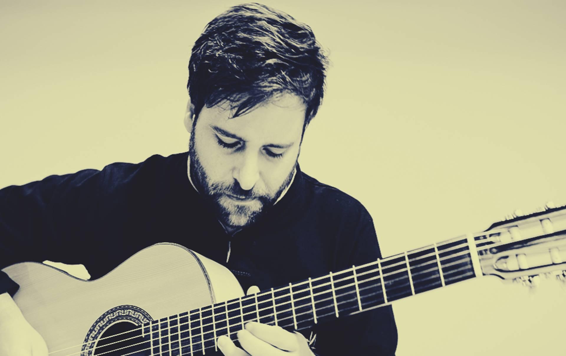 Daniel Minimalia, el primer gallego en ganar un Latin Grammy