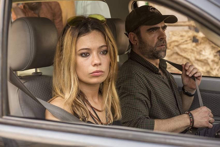 Crítica de la película Adú. Nominada a los Premios Goya 2021. Anna Castillo y Luis Tosar.