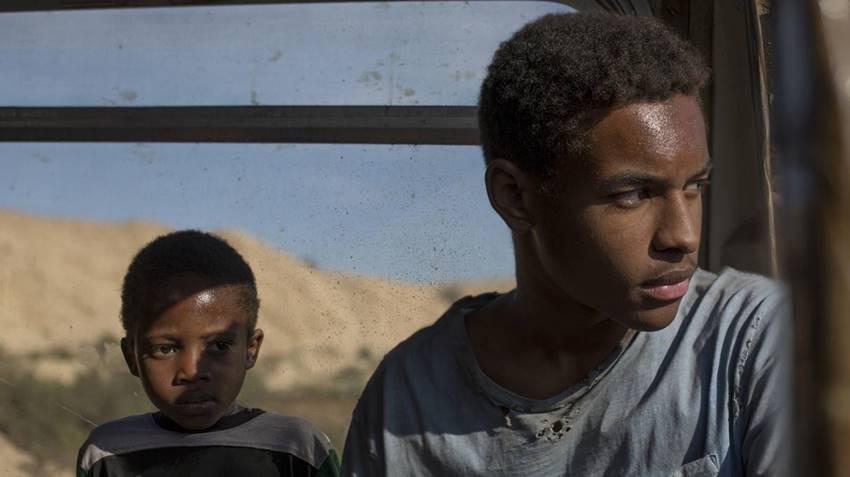 Crítica de la película Adú. Nominada a los Premios Goya 2021