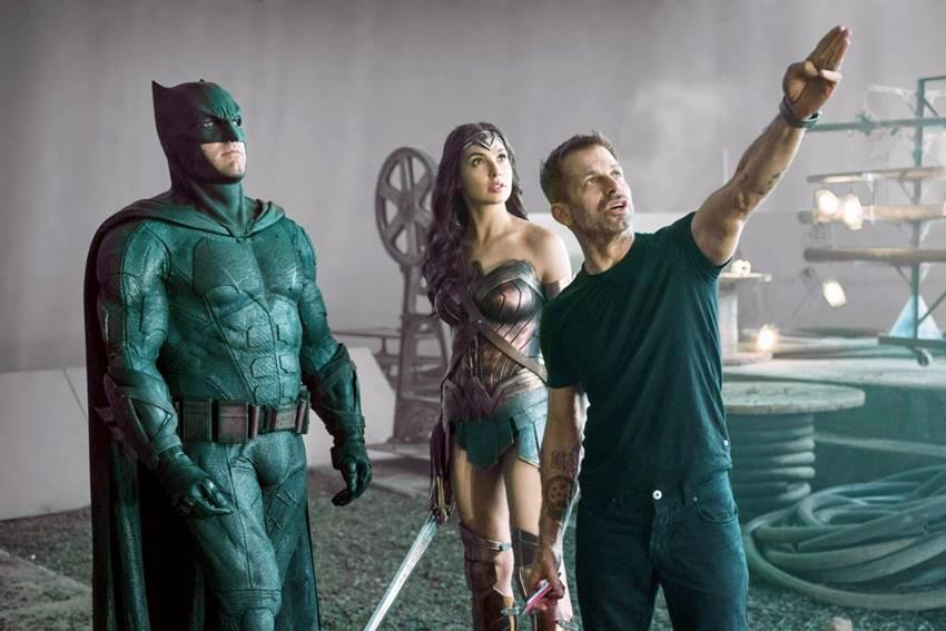 Ben Affleck, Gal Gadot y Zack Snyder en La liga de la Justicia.