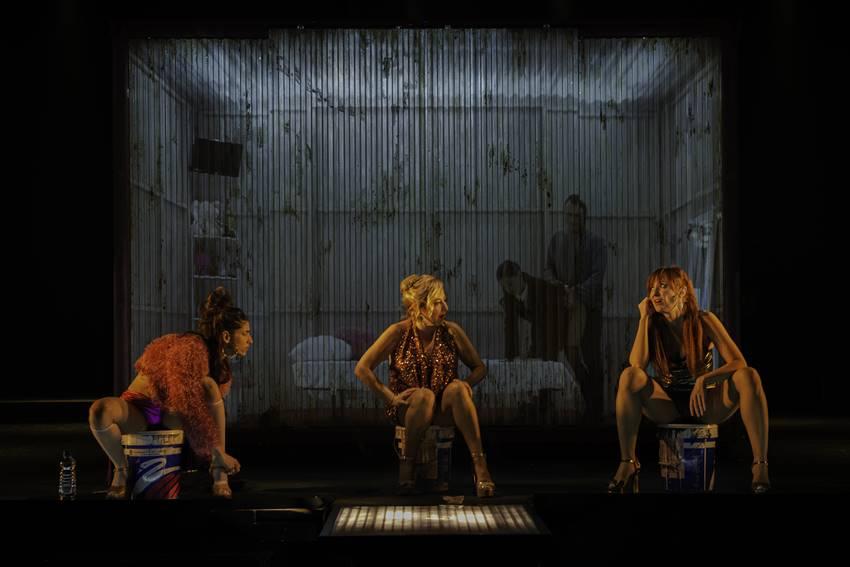 Carmen Machi, Nathalie Poza y Carolina Yuste, protagonistas de la obra de teatro Prostitución.