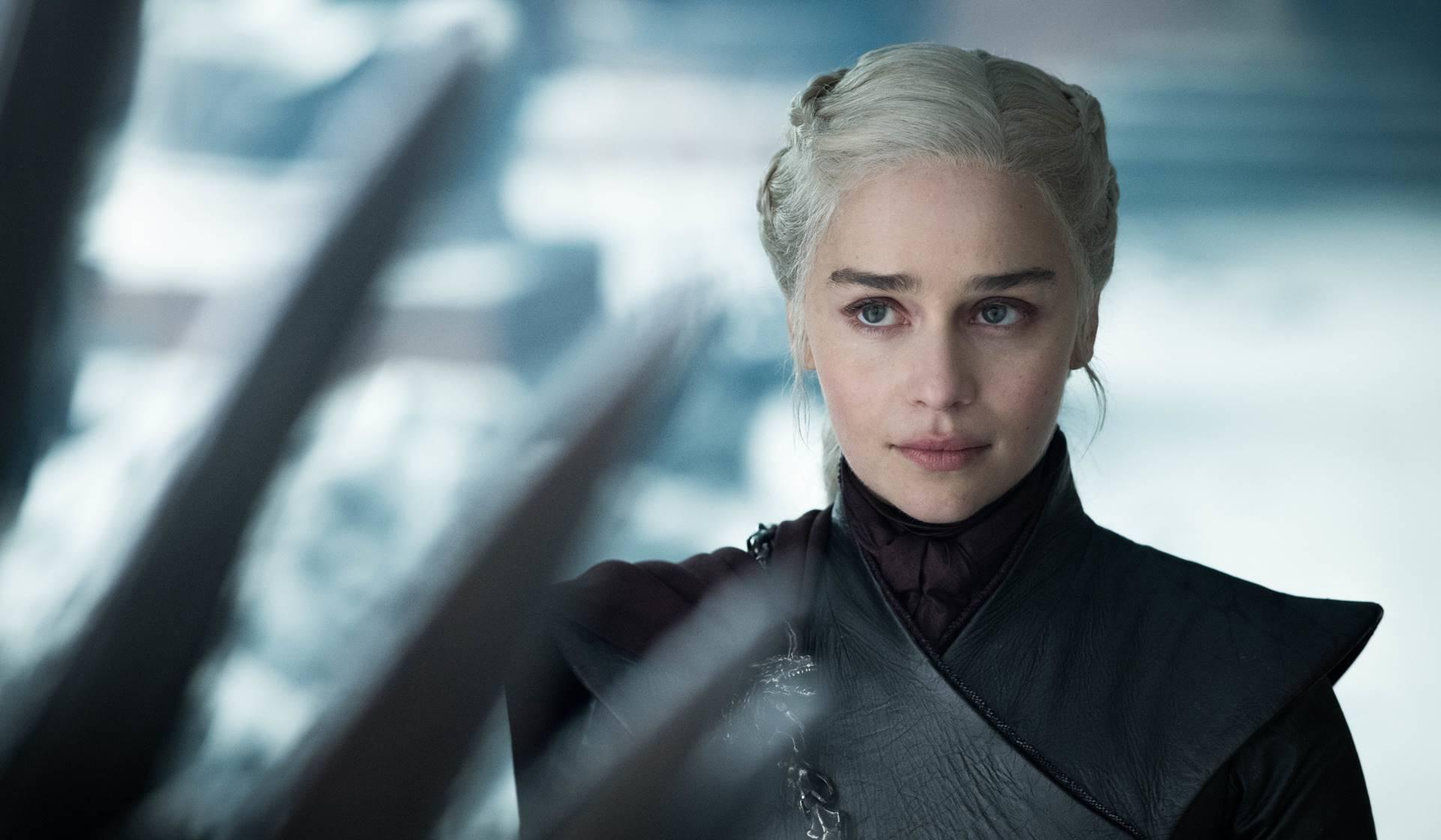 Emilia Clarke como Daenerys Targaryen en Juego de Tronos.