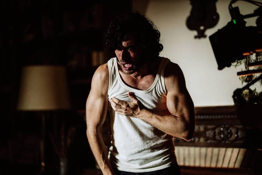 Javier Rey en una escena de La casa del caracol.