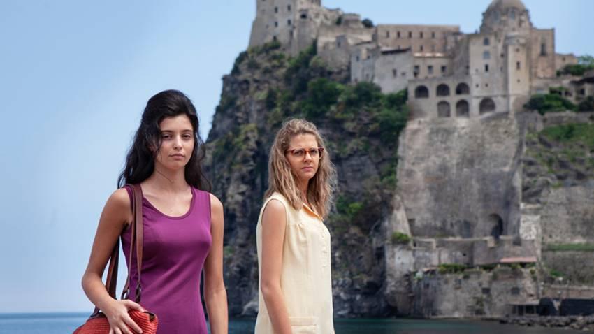 Las actrices Margherita Mazzucco (Elena) y Gaia Girace (Lila) en La amiga estupenda (HBO).