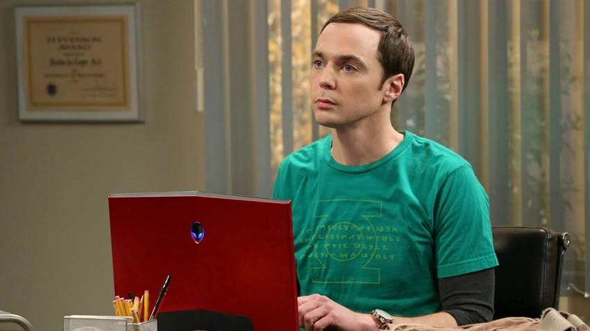 Sheldon Lee Cooper, personaje de la popular serie Big Bang Theory. Los fans de la serie apuntan a que podría interpretar a una persona asexual.