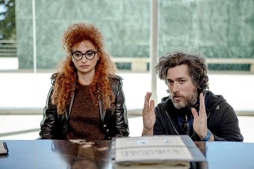Penélope Cruz y Mariano Cohn en el rodaje de Competencia Oficial.