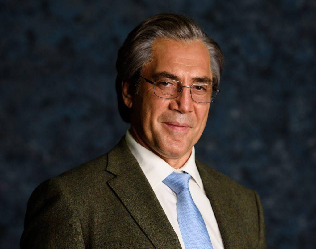 Javier Bardem caracterizado como el empresario Blanco para la película El buen patrón de Fernando León de Aranoa.