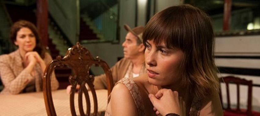 Mejor historia que la nuestra de Lucía Carballal. Dirigida por Francesco Carril.