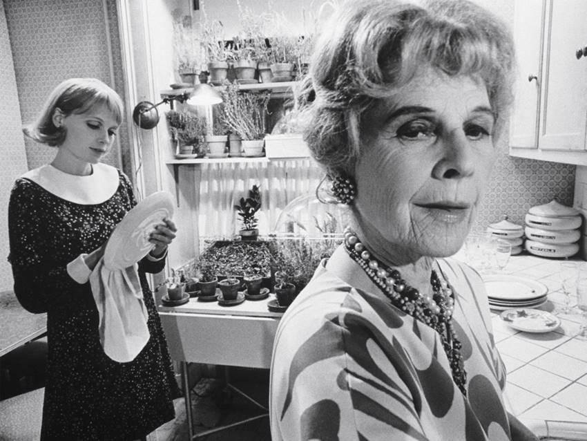 Mia Farrow y Ruth Gordon en La semilla del diablo (1968).
