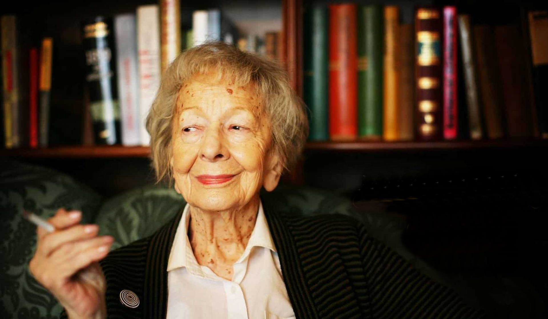 Wislawa Szymborska la poeta invencible.