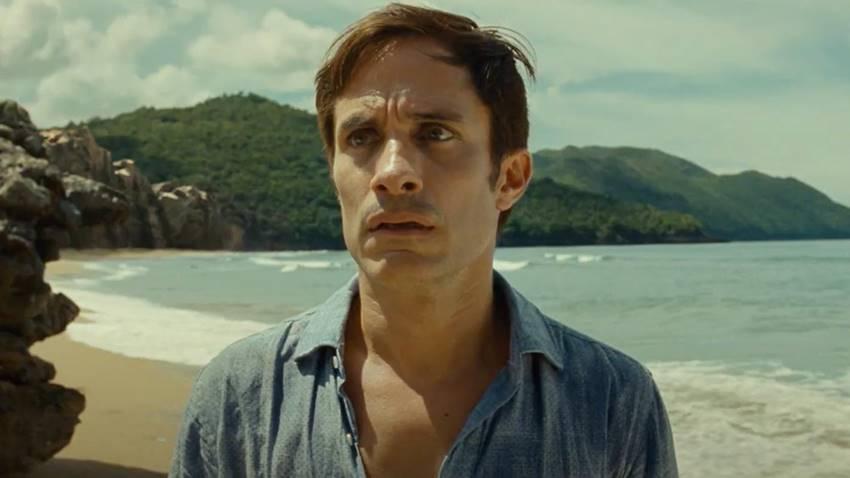 El actor Gael García Bernal en Tiempo (2021) de M. Night Shyamalan.