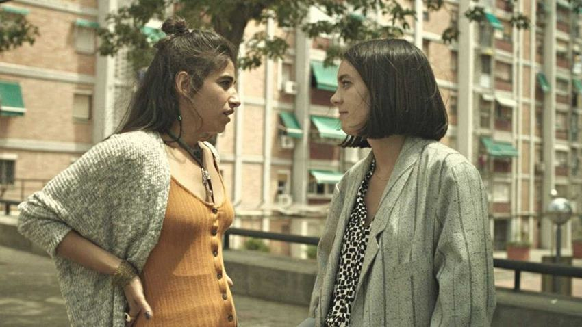 Carolina Yuste junto a Vicky Luengo en Chavalas.