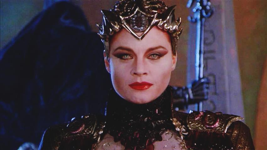 Meg Foster Es Evil-Lyn.