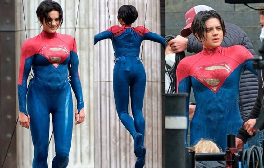Sasha Calle como Supergirl en The Flash.