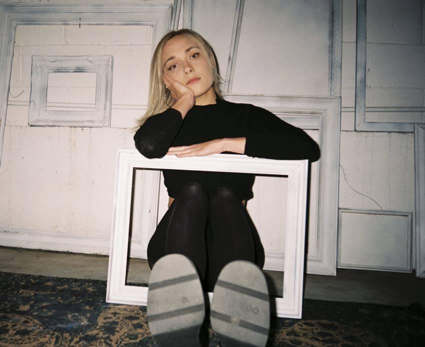 La cantante y compositora Abby Sage. Foto: ©Natalie Hewitt.