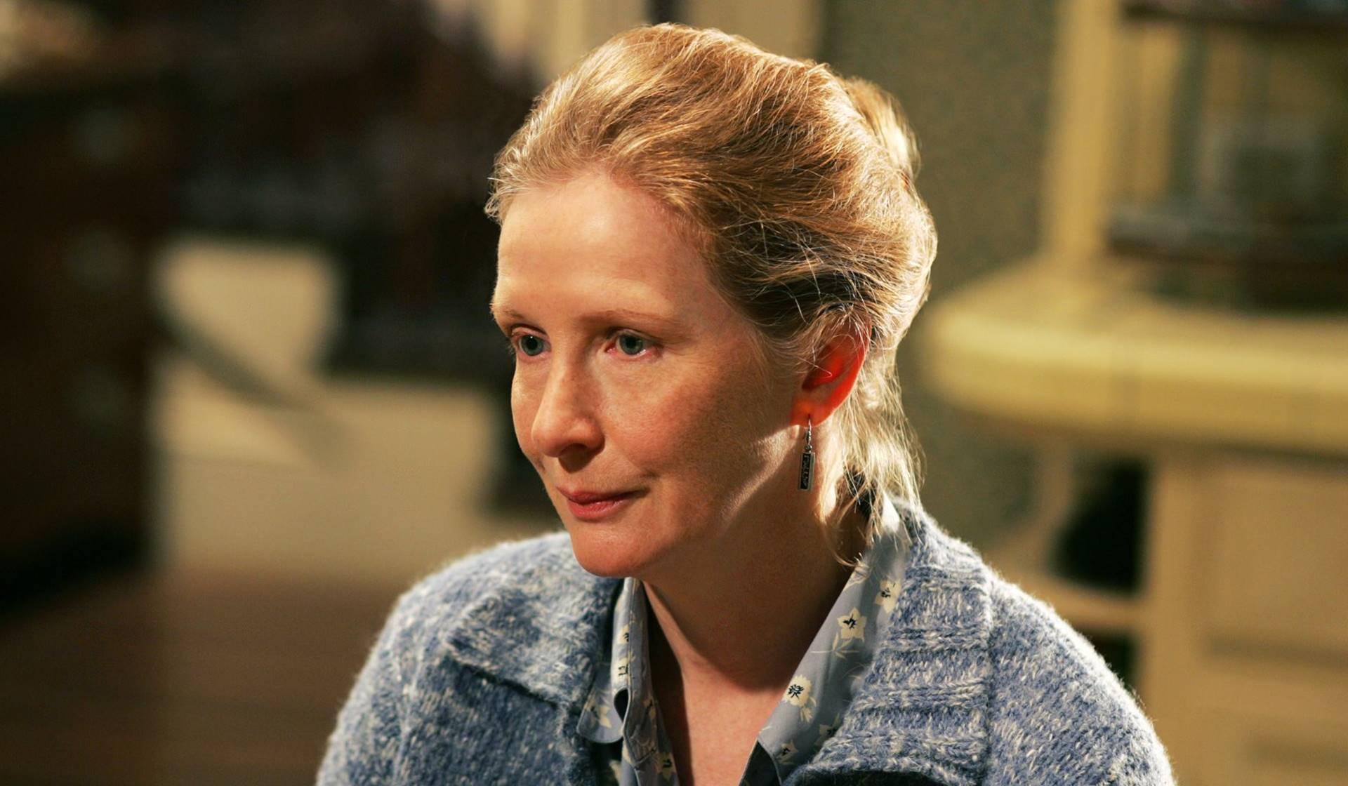 Ruth Fisher (Frances Conroy) en Dos metros bajo tierra